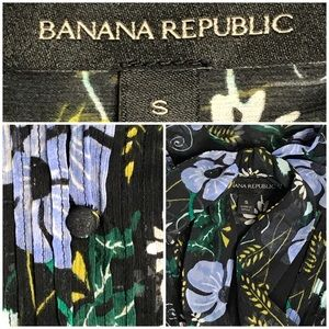 Banana Republic Dresses - Banana Republic Long Sleeve Tie Neck Chiffon Dress